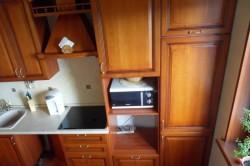 Вентиляционный короб в интерьере комнаты