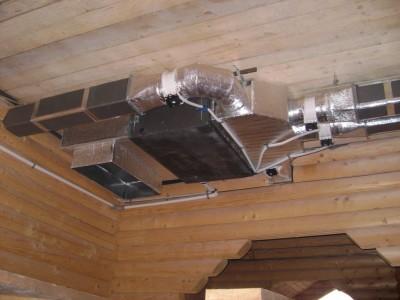 Вентиляция в частном доме из бруса