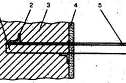 Крепление горизонтальных воздуховодов с помощью кронштейнов к кирпичной стене